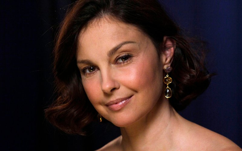 Ashley Judd's 'puffy' appearance sparked a viral media frenzy. But, the actress writes, the conversation is really a misogynistic assault on all women.